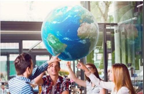 """去英国,您将很快成为""""世界公民""""?"""