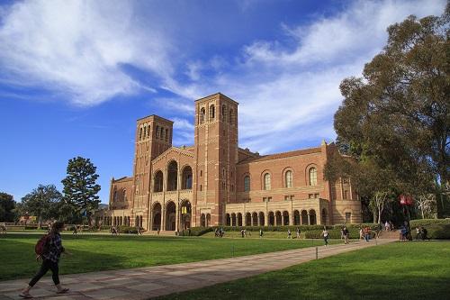 美国大学(本科)申请条件及费用